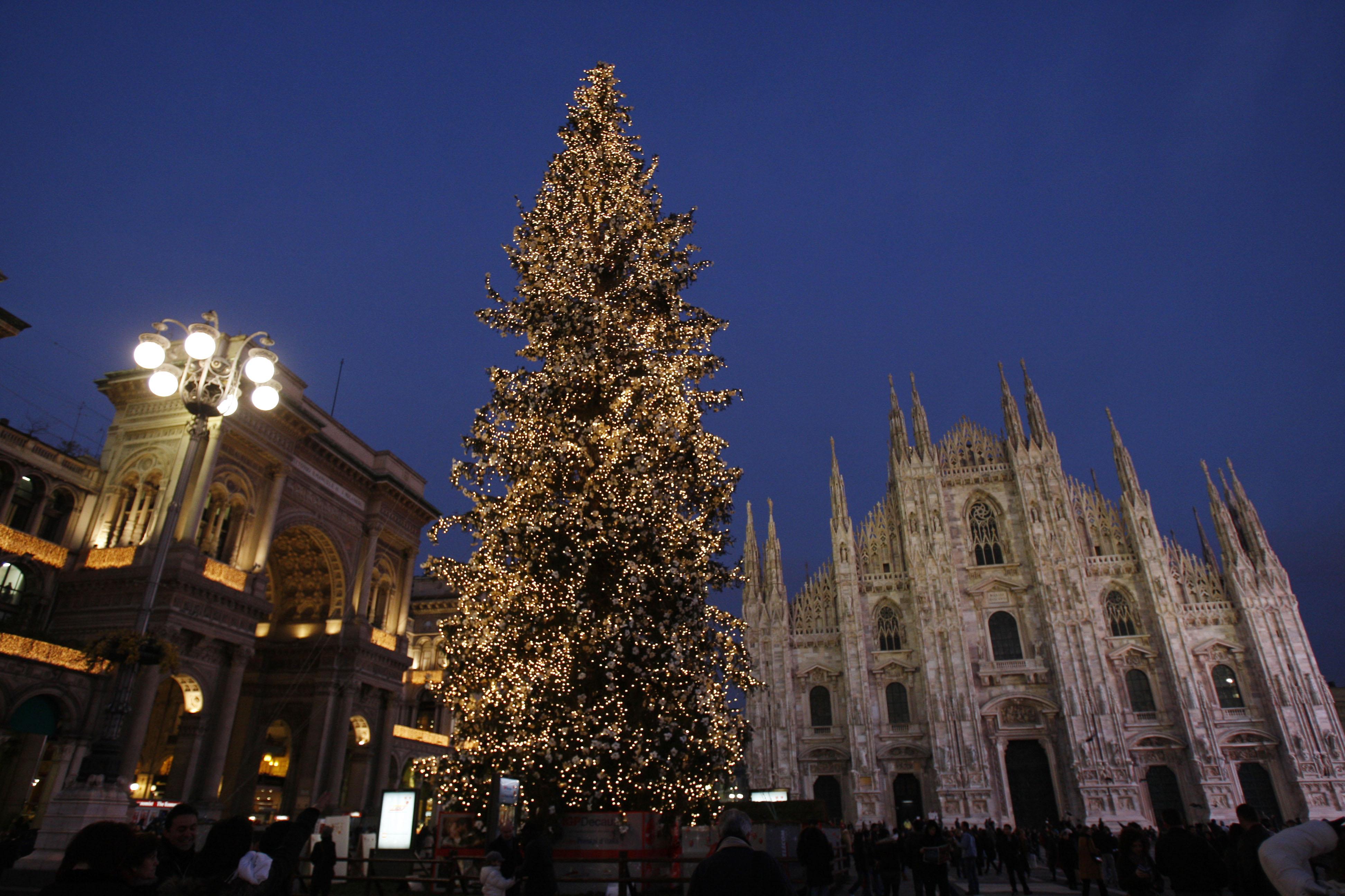 Natale 2016 milano top reservation locali milano for Mercatini torino oggi
